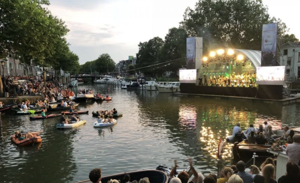 Lidy Blijdorp plays Rococo Variations at Canal Festival Utrecht